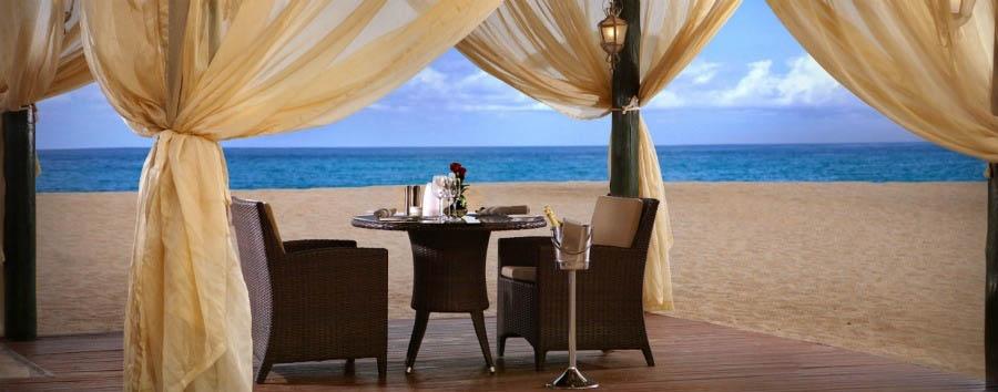 Shopping & Beach - Fujairah Fujairah Rotana Resort & Spa, Romantic Dinner at Waves Restaurant