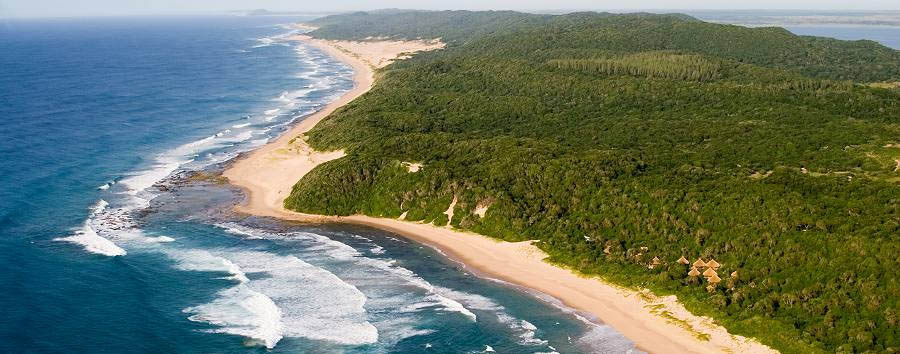 Thonga Beach Lodge - Aerial view over the lodge