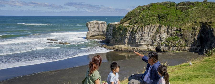 New Zealand - Family Pic-nic near Auckland © Camilla Rutherford / Tourism New Zealand