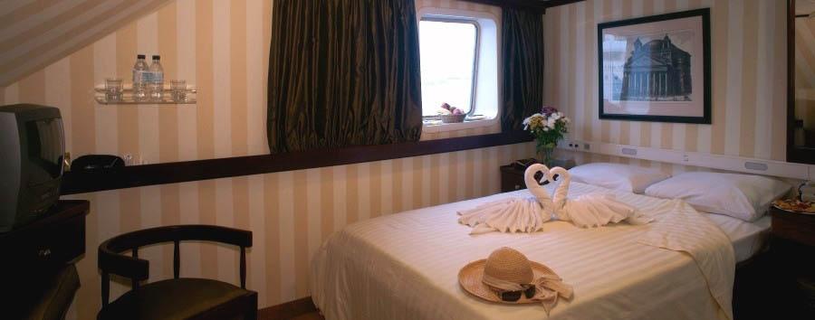 Pegasus M/Y - Cabin interior