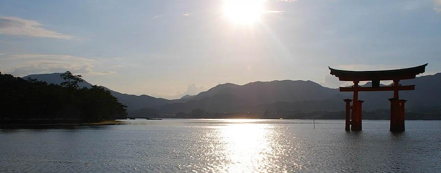 Giappone tra passato e futuro - Japan Miyajima Temple