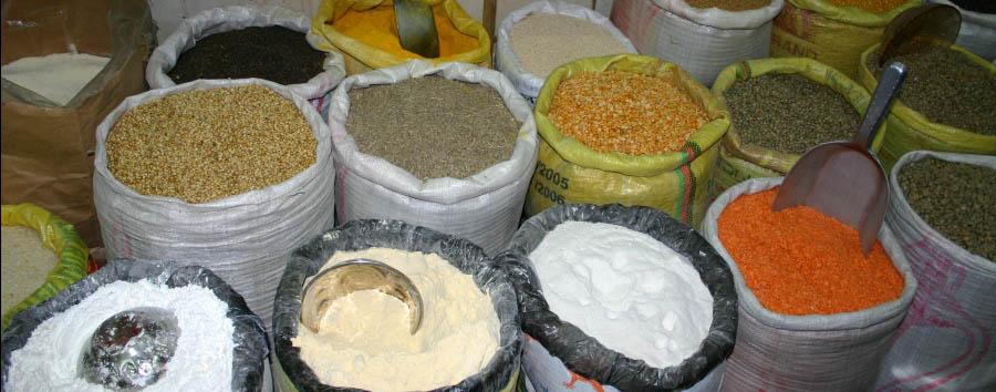 Dubai, la città del futuro - Dubai Spices in the souk in the old town
