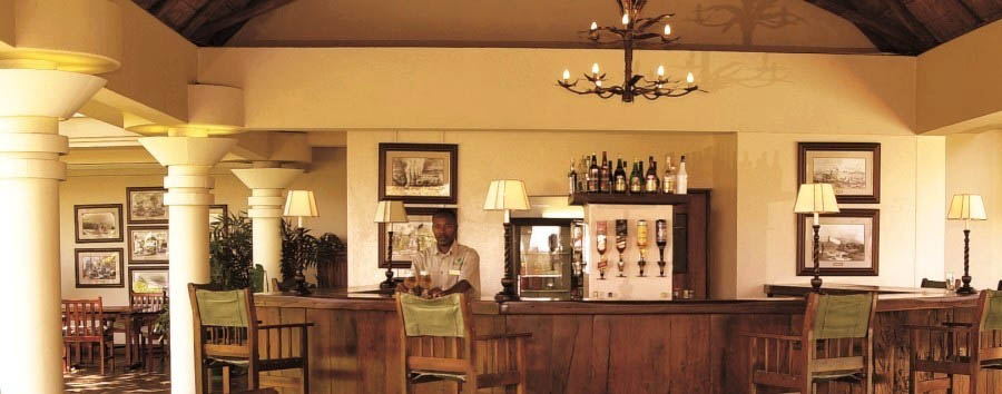 Ilala Lodge - Pool bar