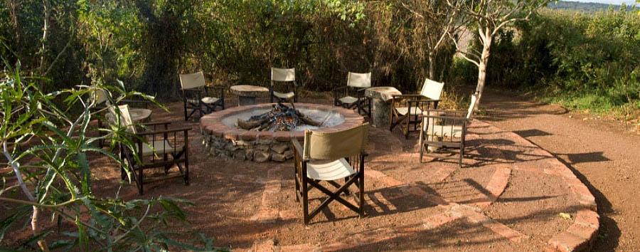 Moivaro Migunga Tented Camp - Sitting around Migunga's Boma