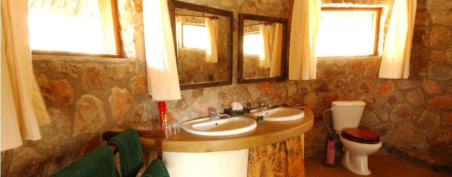 Ruaha River Lodge - Bathroom