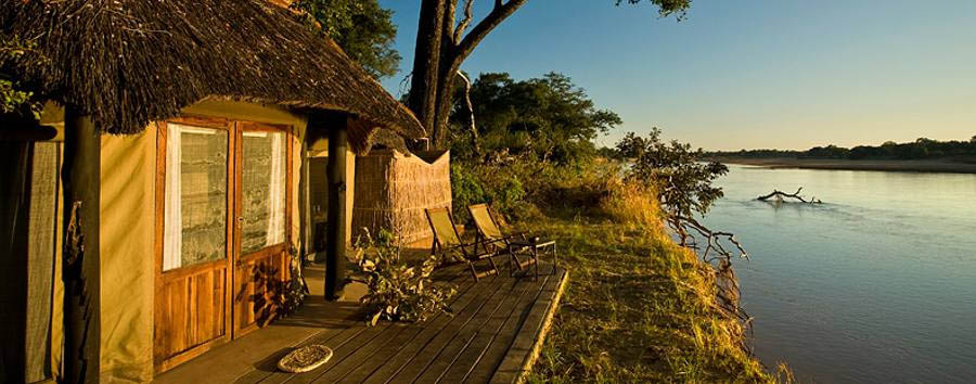 Mchenja+Bush+Camp+-+Chalet+and+Luangwa+River