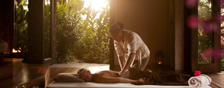 Laucala+Island+Resort+-+Spa+Treatment+Bed