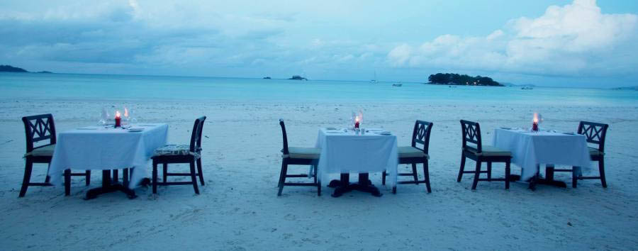 Paradise Sun Hotel - Dinner set up at the beach