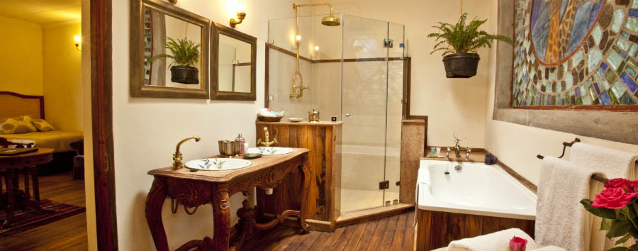 Giraffe Manor - Bathroom
