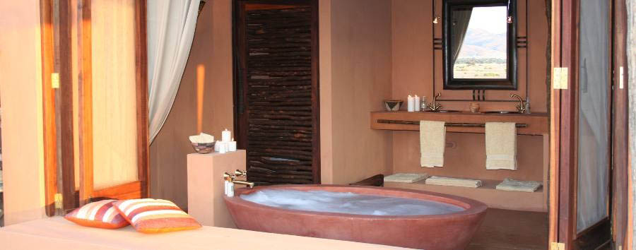 Okahirongo Elephant Lodge - Bathroom