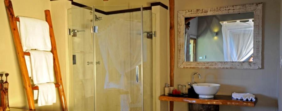 Vilanculos Beach Lodge - Bathroom