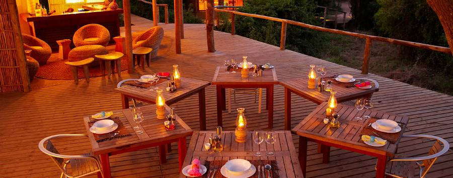 Thonga Beach Lodge - Open air dining