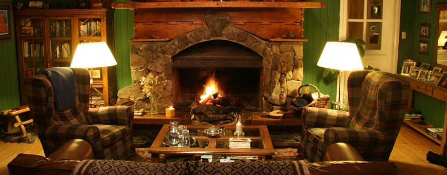 Hosteria+Casa+de+Eugenia+-+Lounge+Area+with+Fireplace