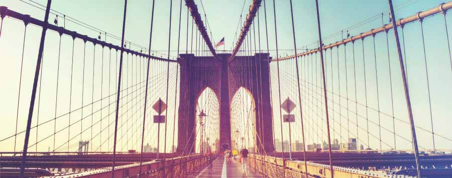 Scintillante New York - New York Brooklyn Bridge in © PlusONE/Shutterstock