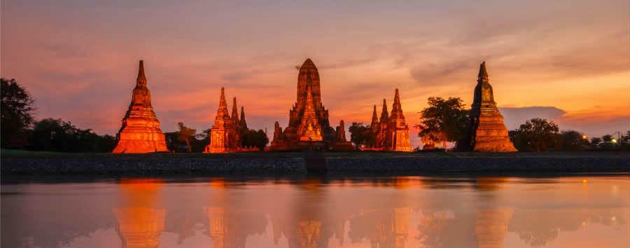 Thailandia Classica - Thailand Old Temple wat Chaiwatthanaram of Ayutthaya Province (Ayutthaya Historical Park) © PK.pawaris/Shutterstock