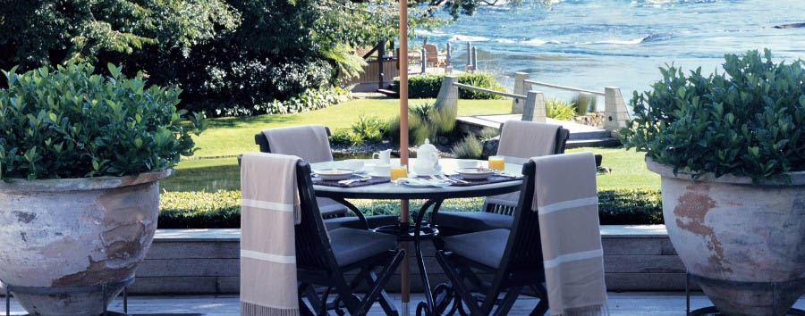 New Zealand Escape - New Zealand Huka Lodge, Breakfast for Four on the Terrace