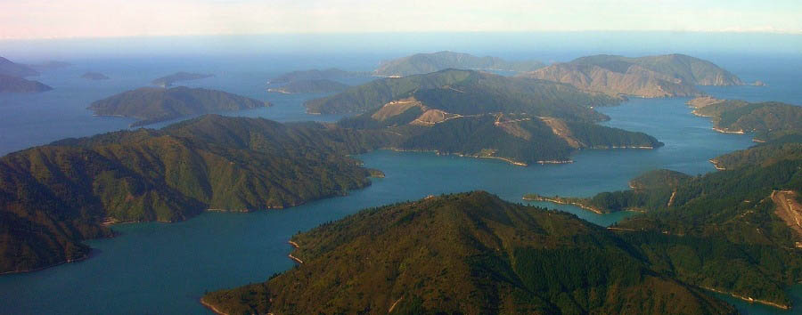 Fascinating New Zealand - New Zealand Marlborough Sound © Philip C.