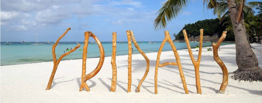 Fridays+Resort+Boracay+-+%22Fridays%22+Signature+Wooden+Sculpture