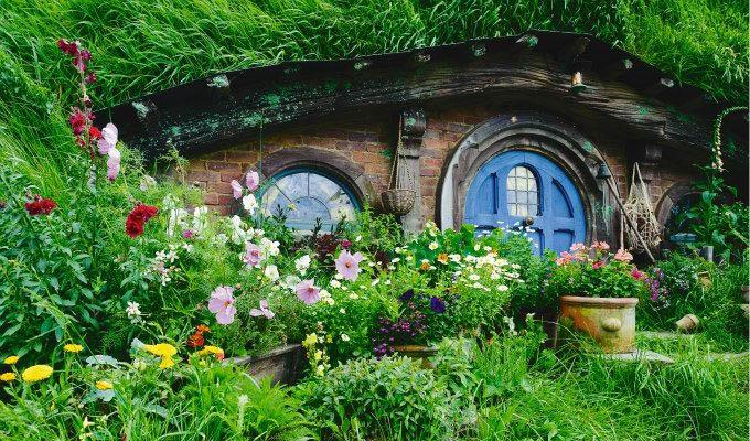 Matamata, Hobbit House Entrance © Ian Brodie/Tourism New Zealand - New Zealand