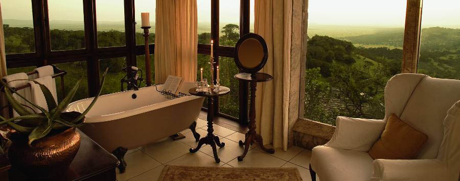 Singita Sasakwa Lodge - Cottage bathroom