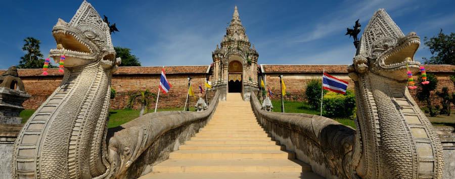 Alla scoperta della Thailandia - Thailand Wat Ph-ra That Lam-pang luang © SUPAKORN KARUN/Shutterstock