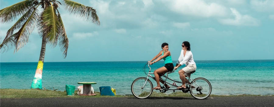 Colombia - Cycling in San Andrés Island © San Luis Village Hotel