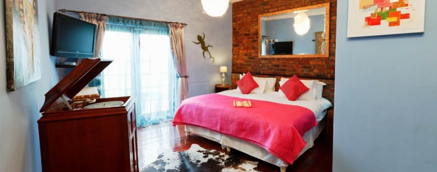 Sweetest Guesthouses - Sweet Ocean View apartment bedroom
