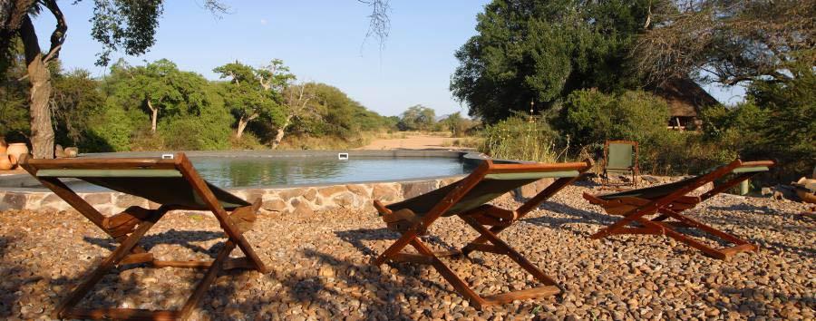 Tanzania del Sud: safari e mare - Tanzania Relax by the Waterhole at Jongomero Camp