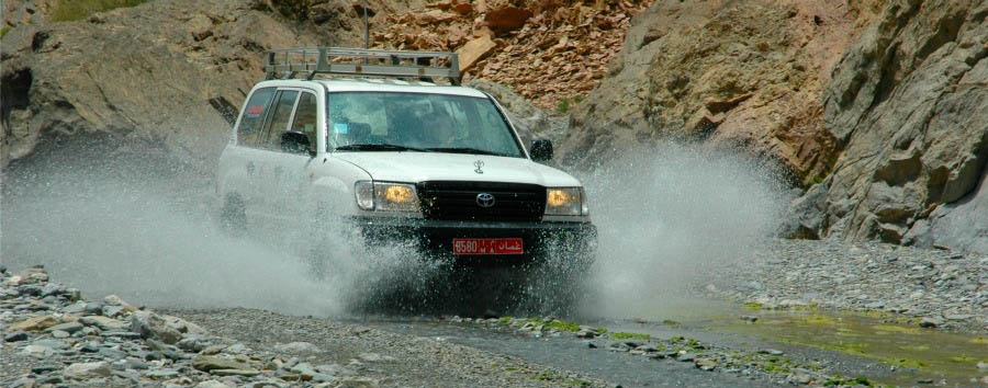 Unusual Oman - Oman Wadi Bashing