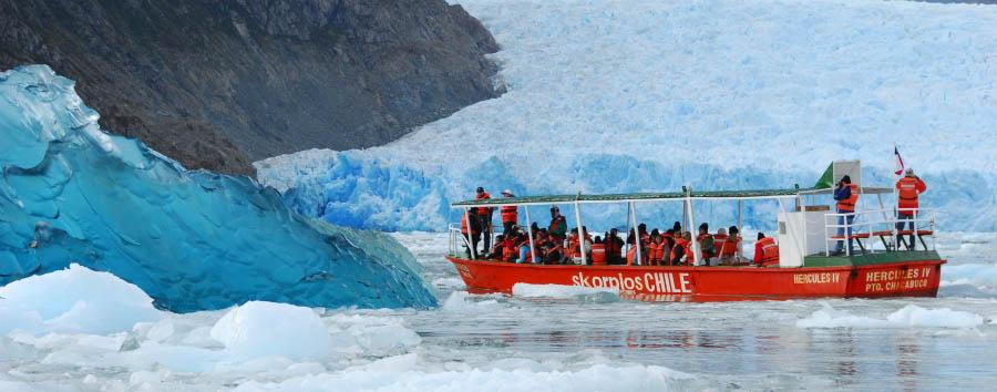 M/V Skorpios II - Hercules boat, approaching the icebergs