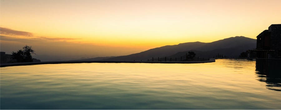 Alila Jabal Akhdar - Pool at sunset