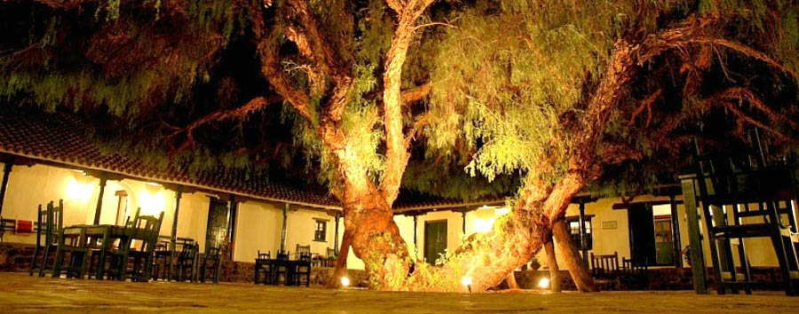 Hacienda de Molinos - The Patio by night
