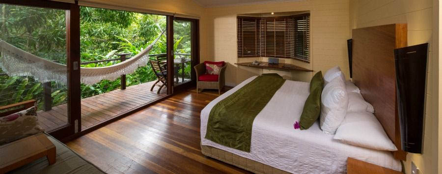 Silky+Oaks+Lodge+-+Treehouse+Bedroom+%C2%A9+Luxury+Lodges+of+Australia