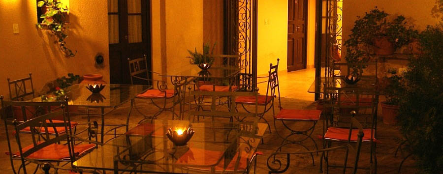 Hotel del Antiguo Convento - The Patio by night