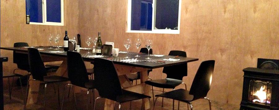 Migrazioni artiche: gli orsi polari - Arctic Fly-in polar bear cabins dining lounge