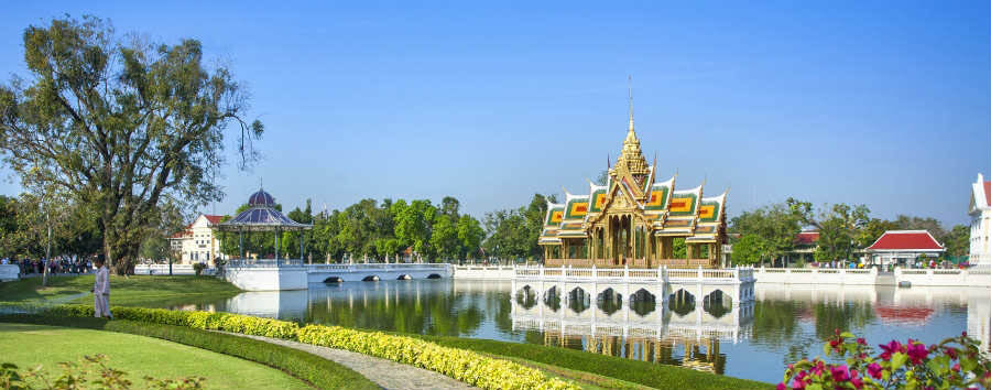 Thailandia Classica - Thailand Bang Pa-In Royal Palace © Orion Lafuente Missbauer/Shutterstock