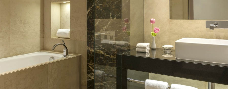 Le Royal Meridien Abu Dhabi - Deluxe Room Bathroom