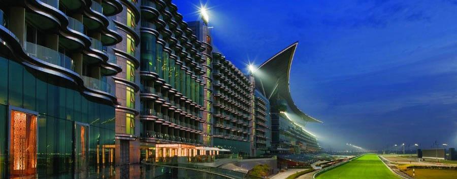 Dubai, mare a Meydan Beach - Dubai The Meydan Hotel at Night