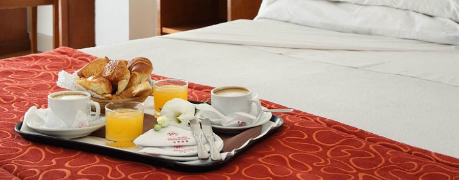 Hotel Gran Buenos Aires - Breakfast in bed