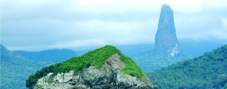 Tropical Green & Colonial Style  - São Tomé  Pico Cão Grande