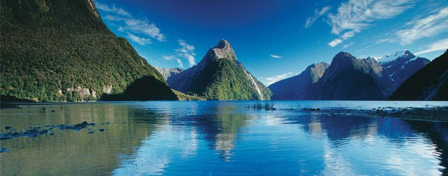 Nuova Zelanda, la Terra di Mezzo - New Zealand Milford Sound © Rob Suisted/Tourism New Zealand