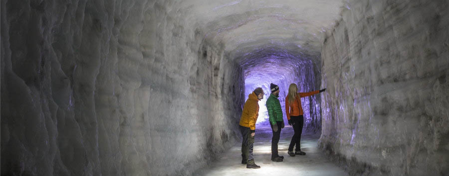 Viaggio al centro del ghiacciaio - Iceland Inside The Langjokull Ice Cave - Courtesy of Iceland Travel