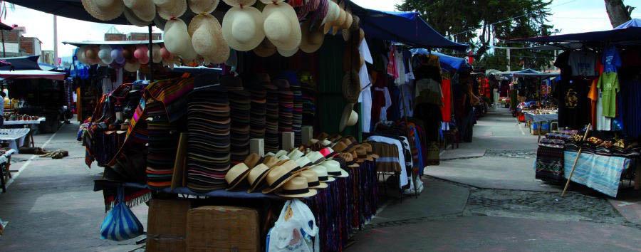 Lo Mejor de Ecuador - Ecuador Otavalo Indigenous Market