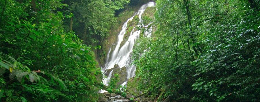 Highlights of Panama - Panama El Valle, El Chorro del Macho Waterfall