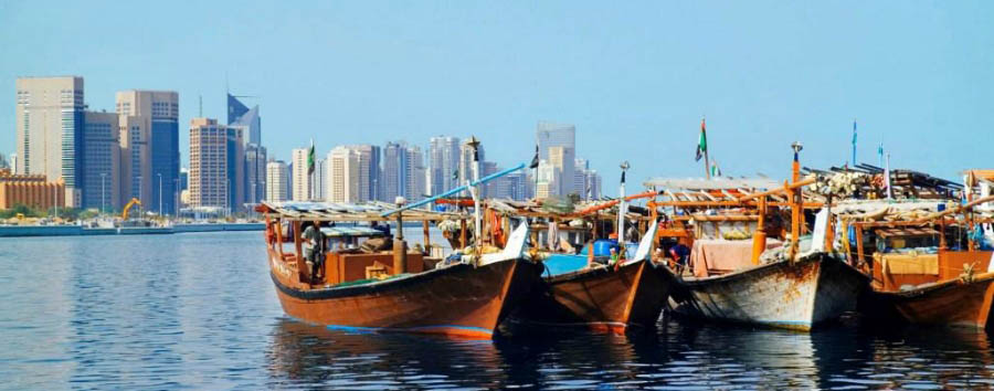 Abu Dhabi - Typical dhows