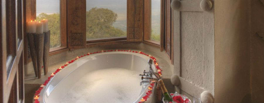 Ngorongoro+Crater+Lodge+-+Suite%2C+Bathtub