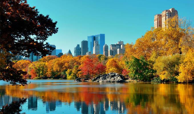 Central Park in Autumn ©  Songquan Deng/Shutterstock - New York