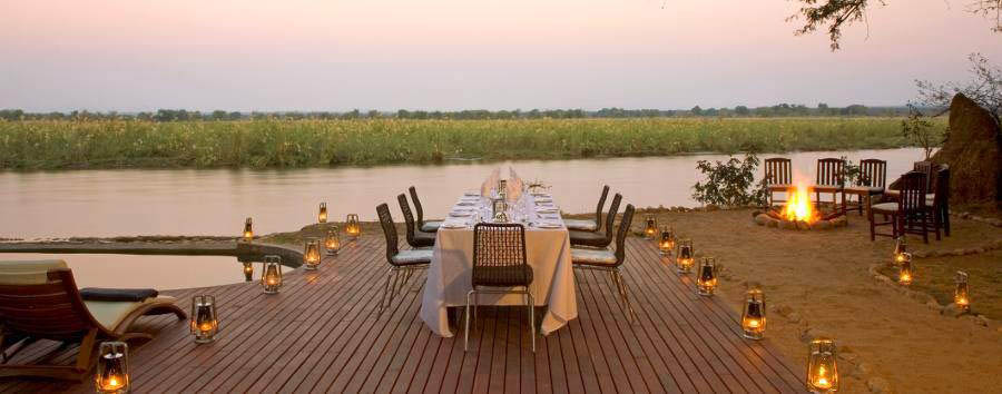 Sanctuary Zambesi Kulefu Camp - Dinner on the deck