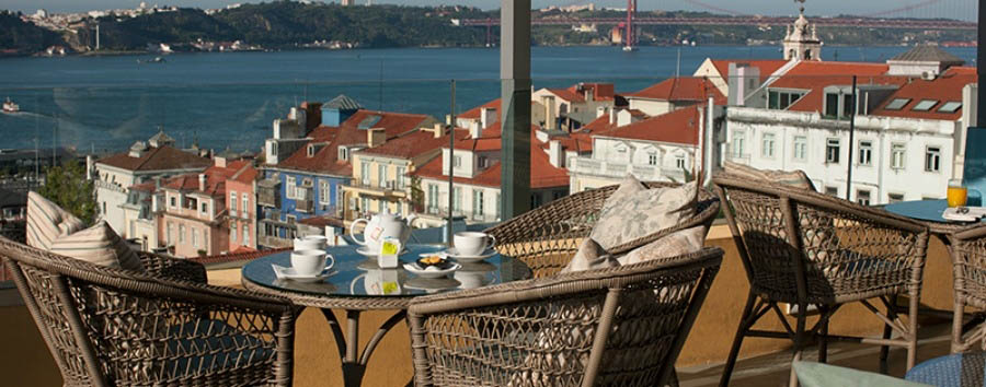 Bairro+Alto+Hotel+-+View+from+The+Terrace