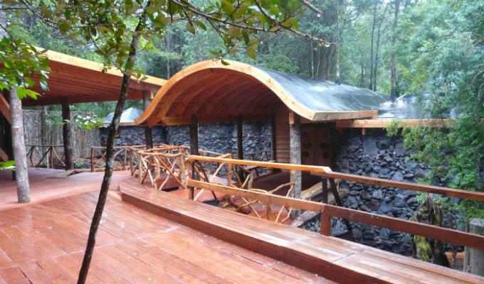 Huilo Huilo, Nawelpi Lodge Chalet Exterior - Chile